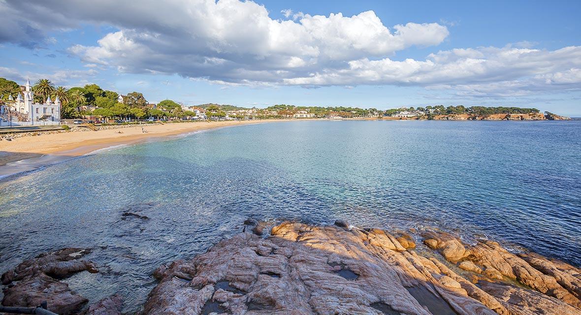 Inmobiliaria y constructora en S´Agaró Playas semiprivadas